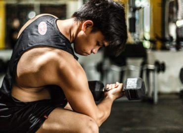 Jak ćwiczyć bicepsy ?
